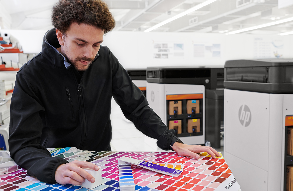 Onyx software certified for HP Stitch textile printers
